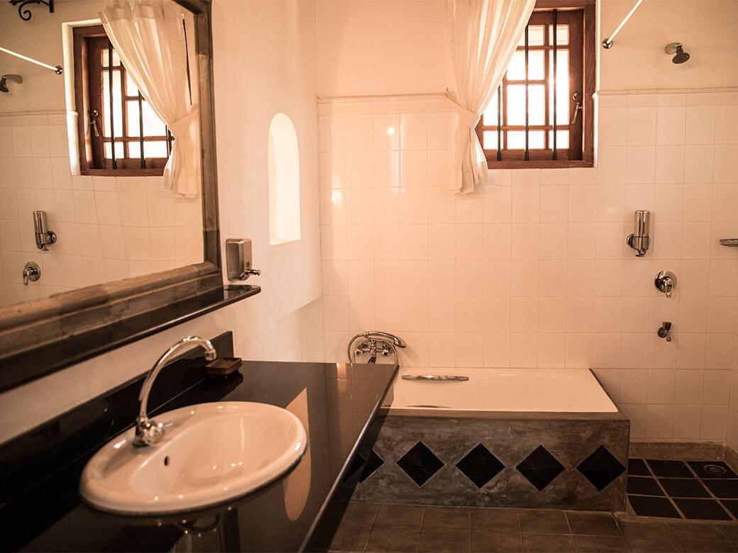 villa-araliya-bathroom