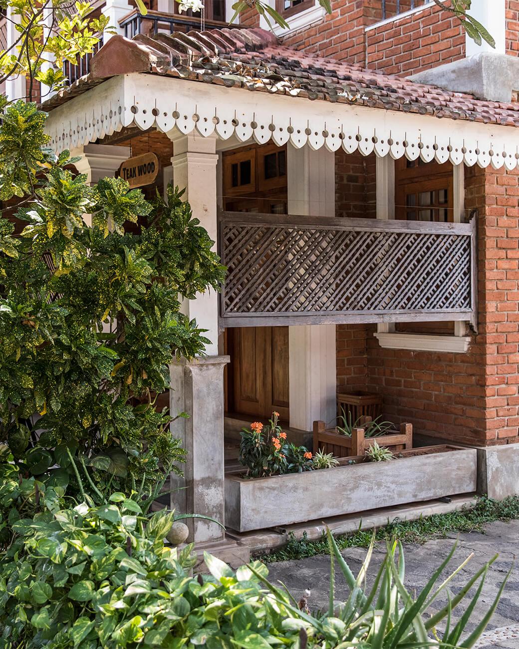 villa-araliya-deluxe-outside