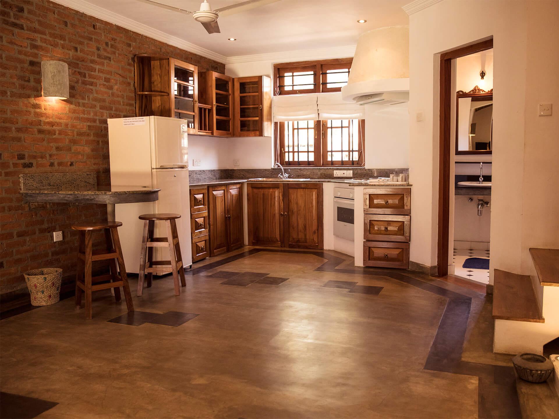 villa-araliya-suits-kitchen-area